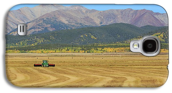 Farming In The Highlands Galaxy S4 Case by David Chandler
