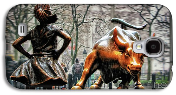 Downtown Galaxy S4 Case - Fearless Girl And Wall Street Bull Statues by Nishanth Gopinathan