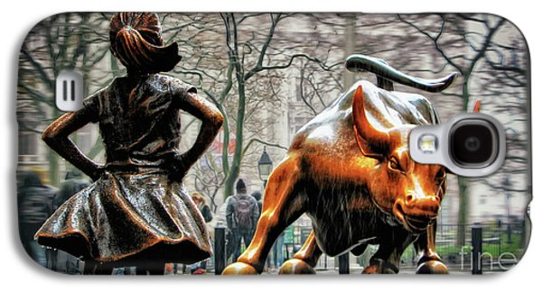 Bull Galaxy S4 Case - Fearless Girl And Wall Street Bull Statues by Nishanth Gopinathan