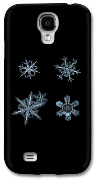 Five Snowflakes On Black 3 Galaxy S4 Case