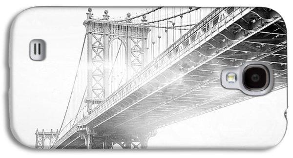 Skyline Galaxy S4 Case - Fog Under The Manhattan Bw by Az Jackson