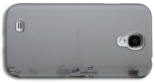 Galaxy S4 Case featuring the photograph Waiting Out The Fog by David Chandler