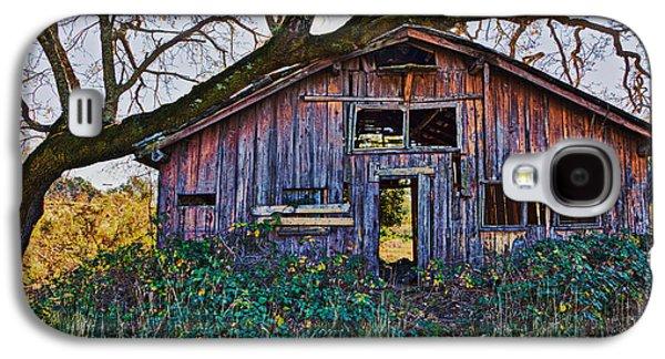 Forgotten Barn Galaxy S4 Case by Garry Gay