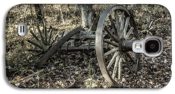 Forgotten Wagon Galaxy S4 Case by Tom Mc Nemar