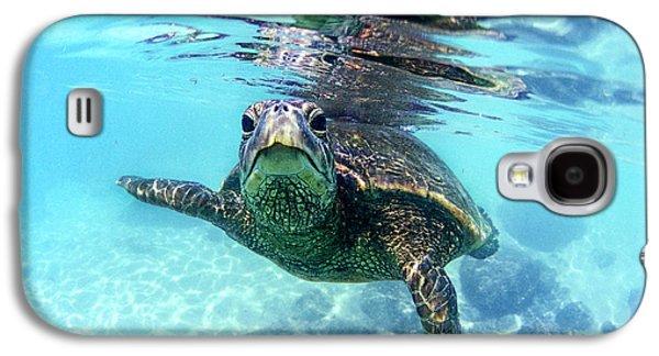 friendly Hawaiian sea turtle  Galaxy S4 Case by Sean Davey