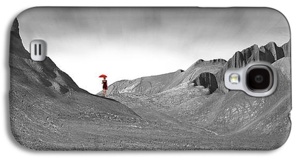 Girl With A Red Umbrella 1 Galaxy S4 Case by Mike McGlothlen