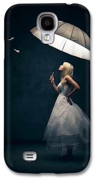 Girl With Umbrella And Falling Feathers Galaxy S4 Case by Johan Swanepoel