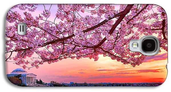 Glorious Sunset Over Cherry Tree At The Jefferson Memorial  Galaxy S4 Case by Olivier Le Queinec