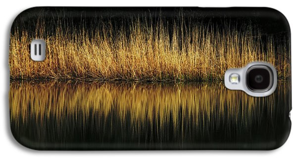 Glow And Reflections At Lakes Edge Galaxy S4 Case