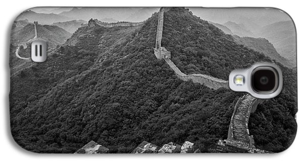 Galaxy S4 Case featuring the photograph Great Wall 2, Jinshanling, 2016 by Hitendra SINKAR