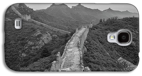 Galaxy S4 Case featuring the photograph Great Wall 6, Jinshanling, 2016 by Hitendra SINKAR