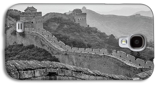 Galaxy S4 Case featuring the photograph Great Wall 7, Jinshanling, 2016 by Hitendra SINKAR