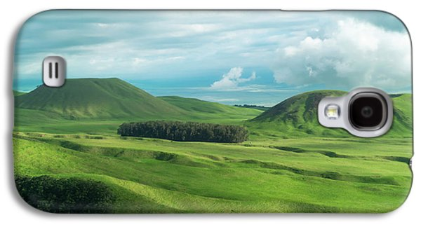 Green Hills On The Big Island Of Hawaii Galaxy S4 Case by Larry Marshall