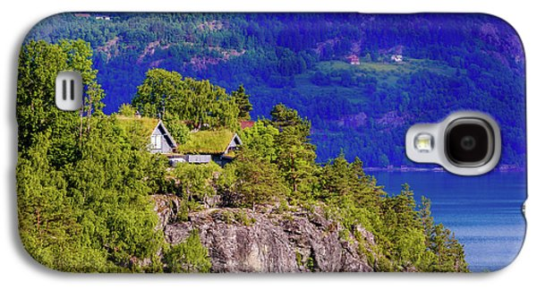 Green Roofs Of Lustrafjorden Galaxy S4 Case