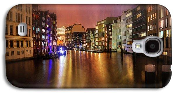 Hamburg By Night  Galaxy S4 Case by Carol Japp