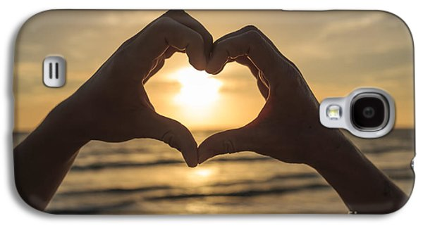 Hands Forming Heart Around Sunset Galaxy S4 Case by Edward Fielding