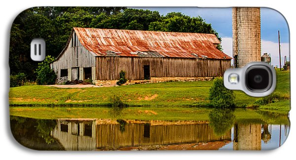 Harlinsdale Barn Reflection Galaxy S4 Case by Jim Diamond