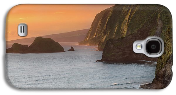 Helicopter Galaxy S4 Case - Hawaii Sunrise At The Pololu Valley Lookout 2 by Larry Marshall