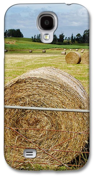 Hay Bales Galaxy S4 Case by Les Cunliffe