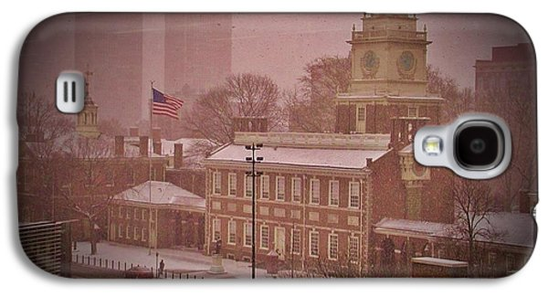 Independence Hall In The Snow Galaxy S4 Case by Bill Cannon