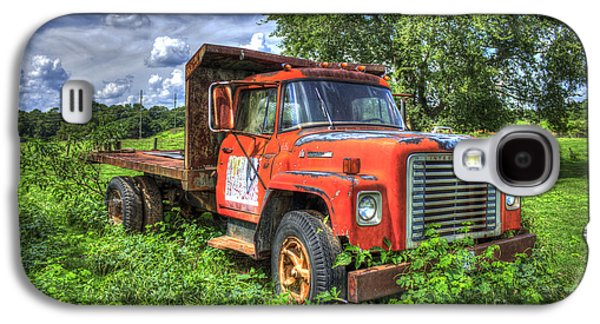 Transportation Photographs Galaxy S4 Cases - International Retirement Home 1974 IH Truck Galaxy S4 Case by Reid Callaway