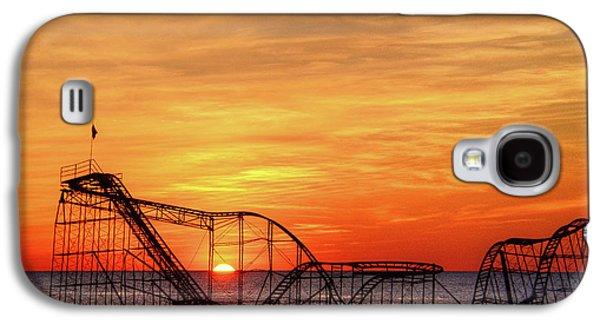 Jet Star Galaxy S4 Case - Jet Star Sunrise, Seaside Heights Nj by Bob Cuthbert