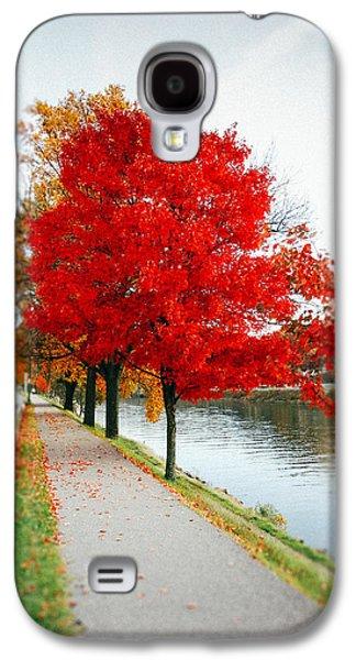 Kanawha Boulevard In Autumn Galaxy S4 Case by Shane Holsclaw