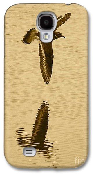 Killdeer Over The Pond Galaxy S4 Case by Carol Groenen
