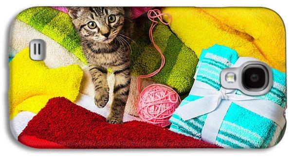 Kitten Among Bath Towels Galaxy S4 Case