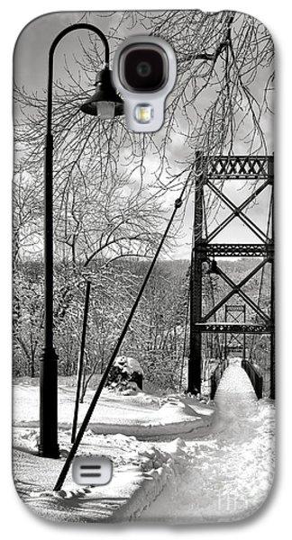 Lamppost And Androscoggin Swinging Bridge In Winter Galaxy S4 Case