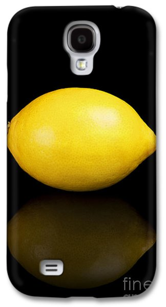 Studio Photographs Galaxy S4 Cases - Lemon on a black reflective background Galaxy S4 Case by Sara Winter