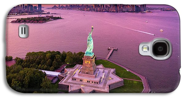 Liberty Island Twilight Galaxy S4 Case by Inge Johnsson