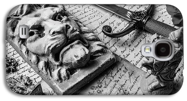 Lion And Dagger In Black And White Galaxy S4 Case by Garry Gay