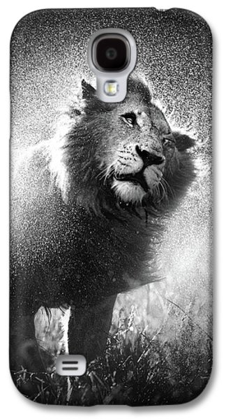 Lion Shaking Off Water Galaxy S4 Case by Johan Swanepoel