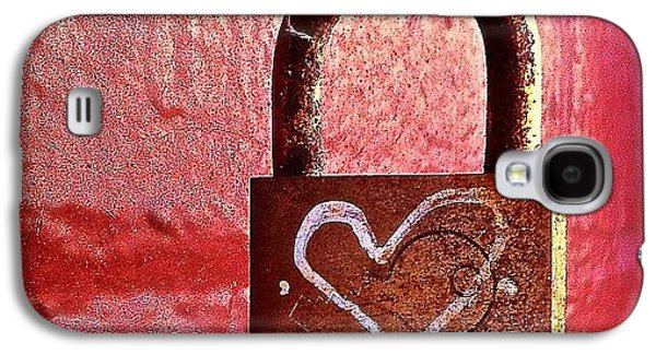 Colorful Galaxy S4 Case - Lock/heart by Julie Gebhardt