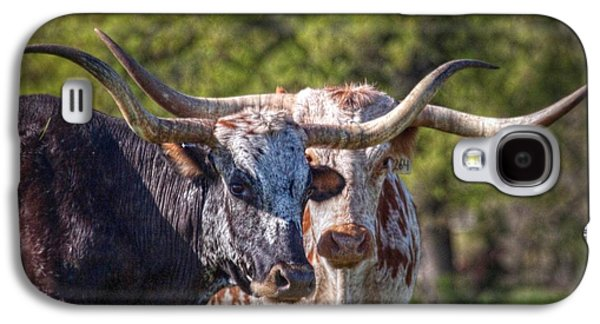 Longhorns In Love Galaxy S4 Case by Linda Unger