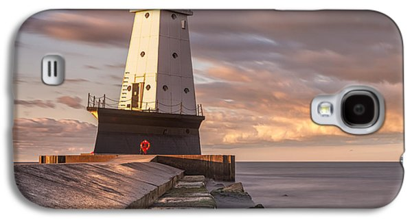 Galaxy S4 Case featuring the photograph Ludington North Breakwater Light At Dawn by Adam Romanowicz