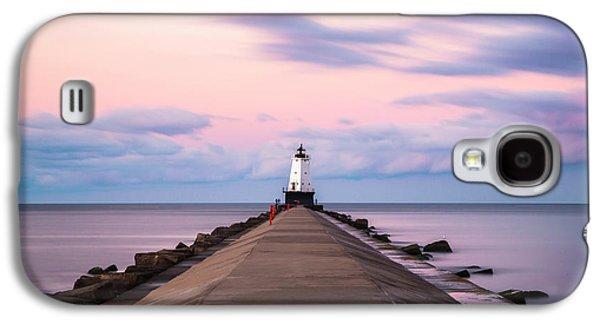 Marquette Galaxy S4 Case - Ludington North Breakwater Light Sunrise by Adam Romanowicz