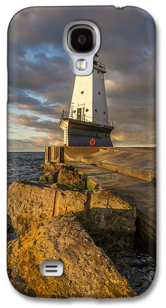 Galaxy S4 Case featuring the photograph Ludington North Breakwater Lighthouse At Sunrise by Adam Romanowicz