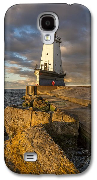 Marquette Galaxy S4 Case - Ludington North Breakwater Lighthouse At Sunrise by Adam Romanowicz