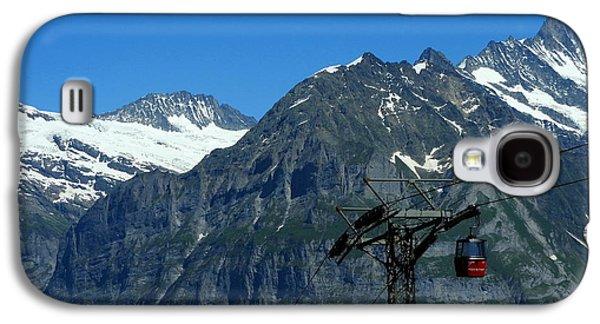 Maennlichen Gondola Calbleway, In The Background Mettenberg And Schreckhorn Galaxy S4 Case