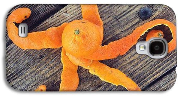 Orange Galaxy S4 Case - Mandarina Con Tentáculos by Juan Silva