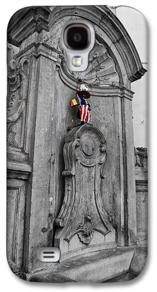 American Independance Photographs Galaxy S4 Cases - Manneken Pis Fountain Galaxy S4 Case by Nomad Art And  Design