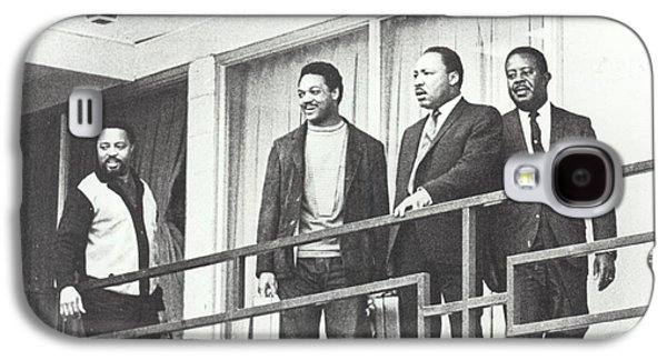 Martin Luther King Standing On The Balcony Of The Memphis Hotel Galaxy S4 Case by American School