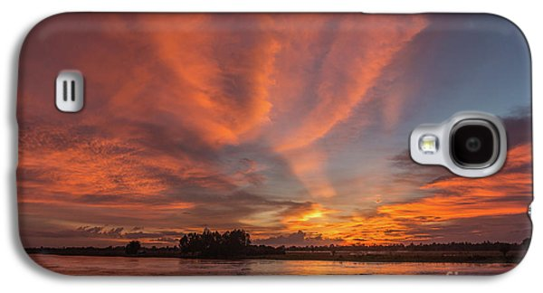Galaxy S4 Case featuring the photograph Mekong Sunset 3 by Werner Padarin