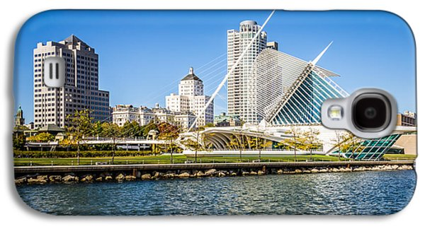 Lake Michigan Galaxy S4 Case - Milwaukee Skyline Photo With Milwaukee Art Museum by Paul Velgos