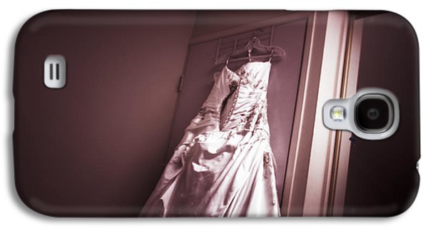 Mirror View Of A Traditional White Wedding Dress Galaxy S4 Case