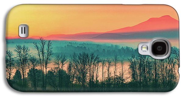 Misty Mountain Sunrise Part 2 Galaxy S4 Case by Alan Brown