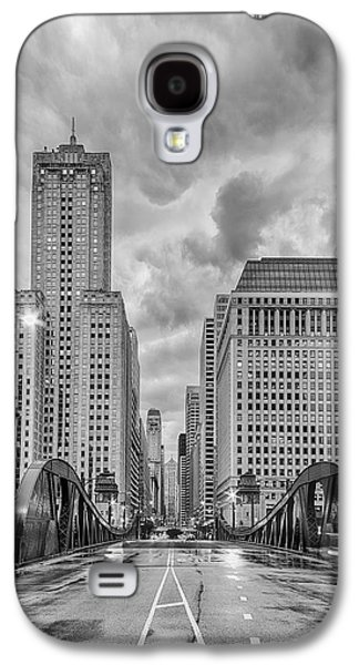 Monochrome Image Of The Marshall Suloway And Lasalle Street Canyon Over Chicago River - Illinois Galaxy S4 Case by Silvio Ligutti