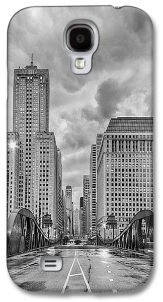Monochrome Image Of The Marshall Suloway And Lasalle Street Canyon Over Chicago River - Illinois Galaxy S4 Case